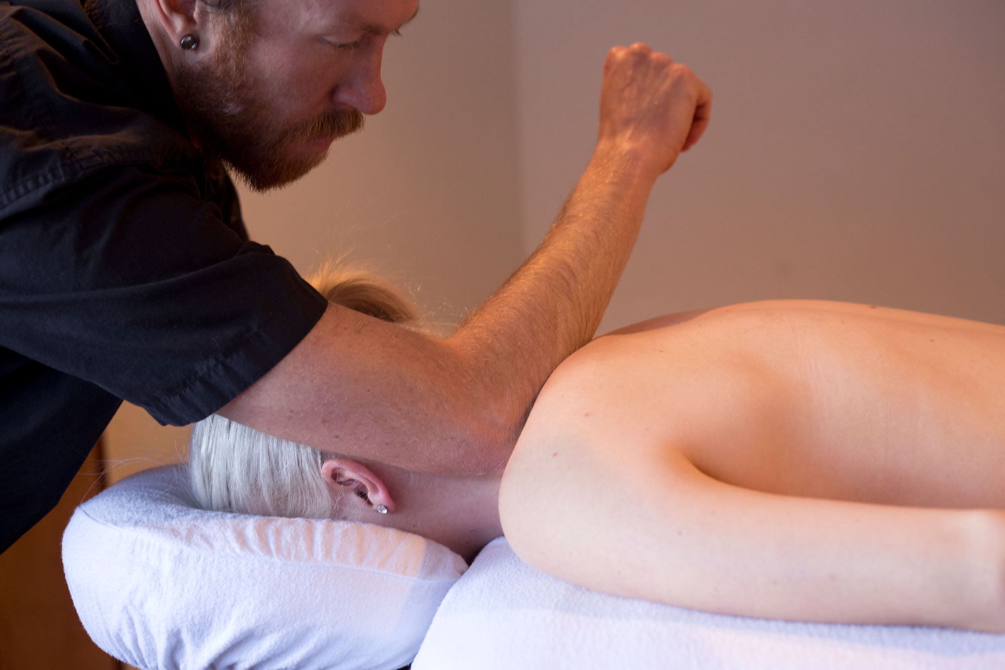 Services Deep Tissue Massage
